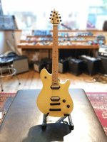 EVH Wolfgang Special T.O.M. Vintage White Demo model